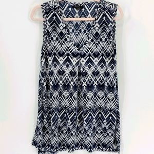 Alfani, sleevless top, large blue and white.